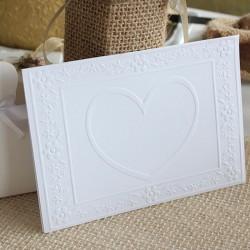 Kort med hjerte prægning hvid