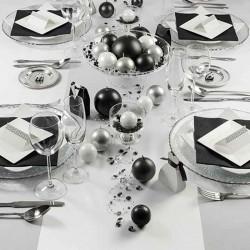 Satin bordløber sort hvid borddækning