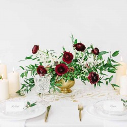 Creme organza bordløber guld mønstre borddækning