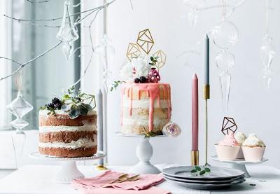 Kagebagning - Bag en kage med fondant, muffinsforme og tilbehør